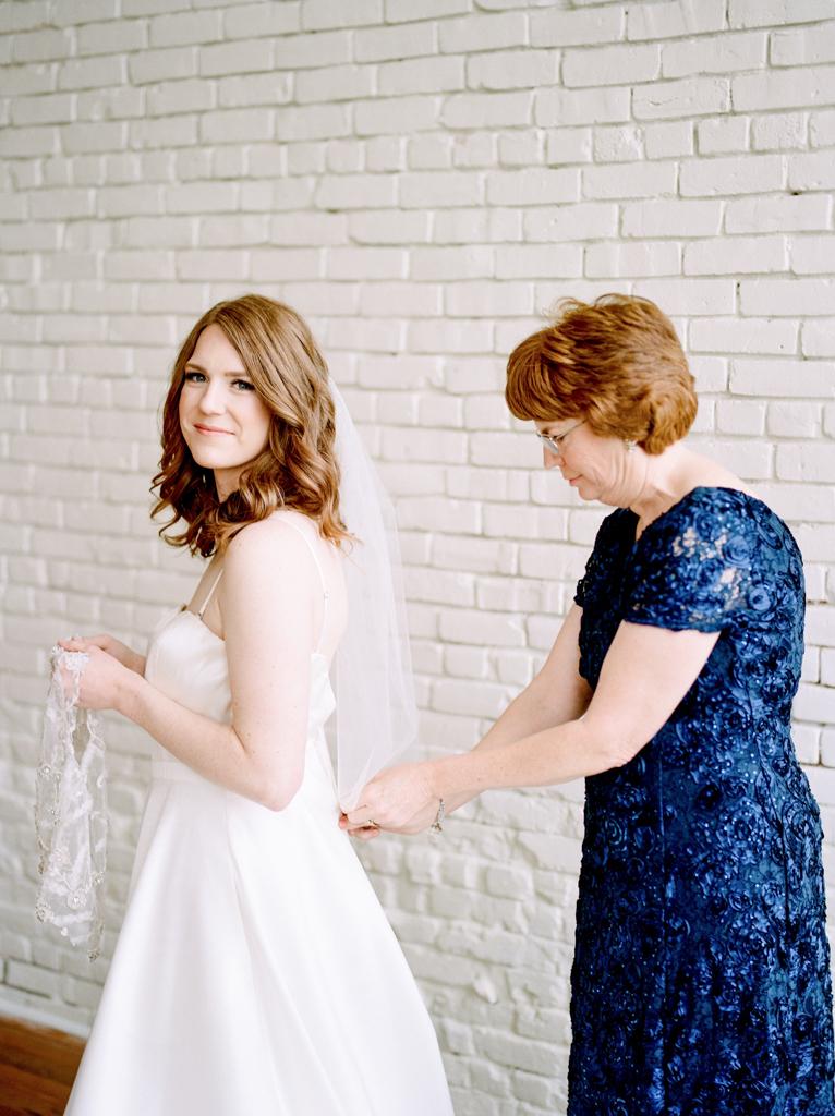 Austin-Texas-Wedding-Photographer-Film-Hybrid-One-Eleven-East-Hutto-9.jpg