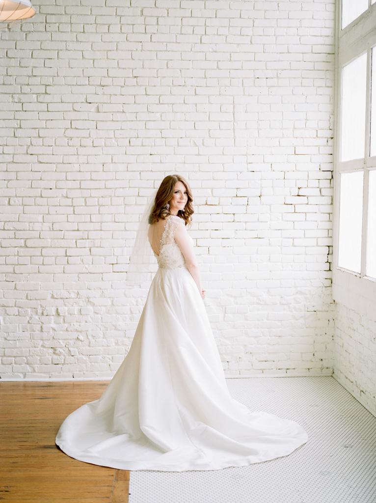Austin-Texas-Wedding-Photographer-Film-Hybrid-One-Eleven-East-Hutto-16.jpg