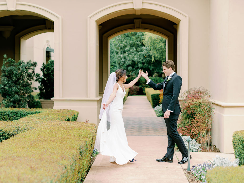Austin-Film-Wedding-Photographer-Royal-Oaks-Country-Club-12.jpg
