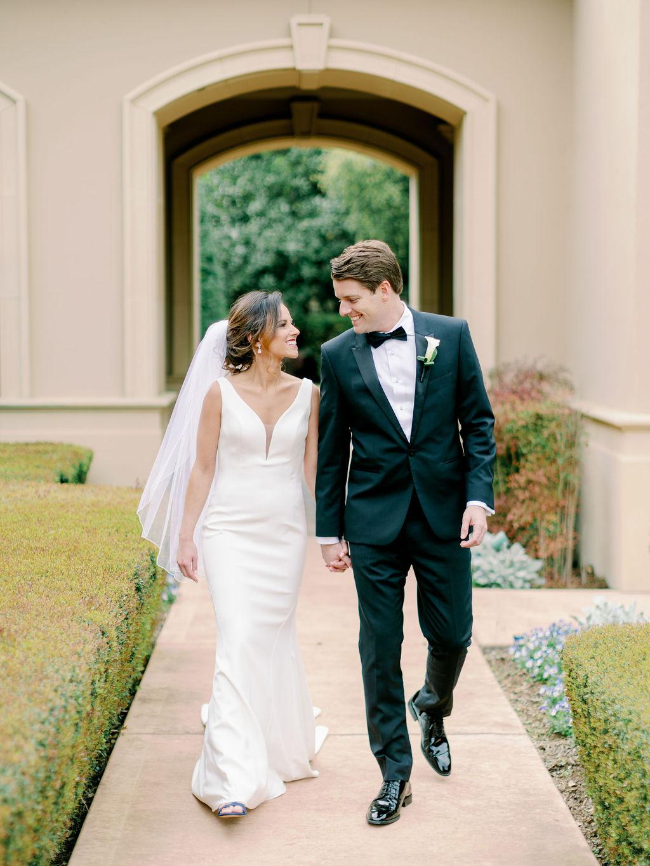 Austin-Film-Wedding-Photographer-Royal-Oaks-Country-Club-19.jpg
