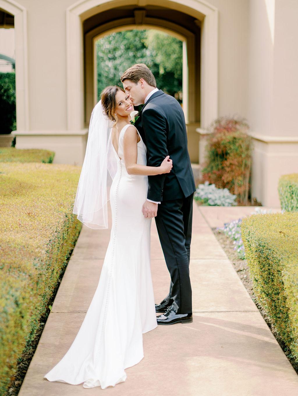 Austin-Film-Wedding-Photographer-Royal-Oaks-Country-Club-25.jpg