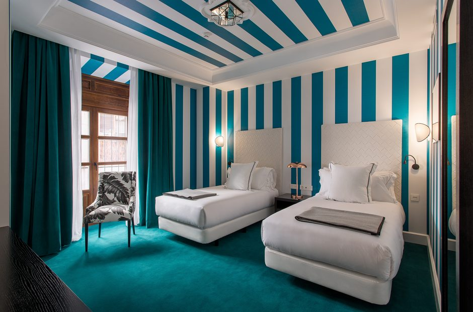room-mate-valeria-hotel-malaga-standard-room-1.jpg__940x620_q83.jpg