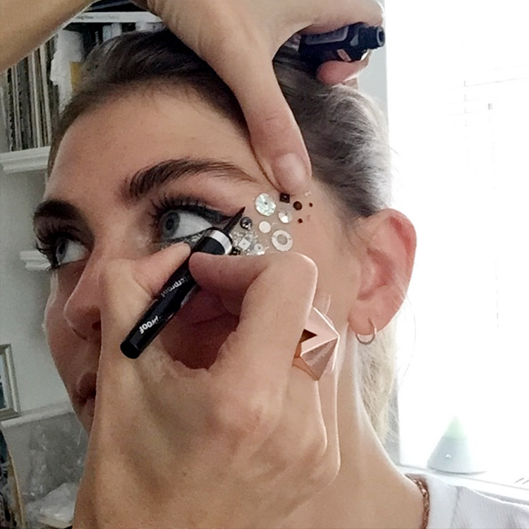 Tools: Collection  dazzling gel liner  in hustle 4 under the eye, lashes of mascara     How to: Place sequins randomly under the eye and stick with a little duo eyelash glue