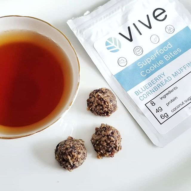 Snack of champions right here! Tea and @vivesnacks blueberry cornbread muffin superfood cookie bites. Yessss! 🤗 My one year old wanted them all for herself so the next bag is for me! (From the Tea Box Express June box.) . . #teaboxexpress #teapartyinabox #teapartyforone #teaandtreats #teamail #artisantreats #treatyourself #onthego #healthysnacks #snackfoods #vegansnacks #cookiebites