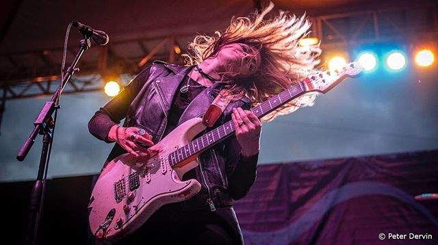 This weekend has been 🔥🔥 Red-flights are never fun, but the people at @sherblues last night made the overnight travel from @waterfrontblues totally worth it - nous vous aimons tous! We're looking forward to Tremblant International Blues Fest tonight! 📷 @peterdervinphotography #larkinpoe