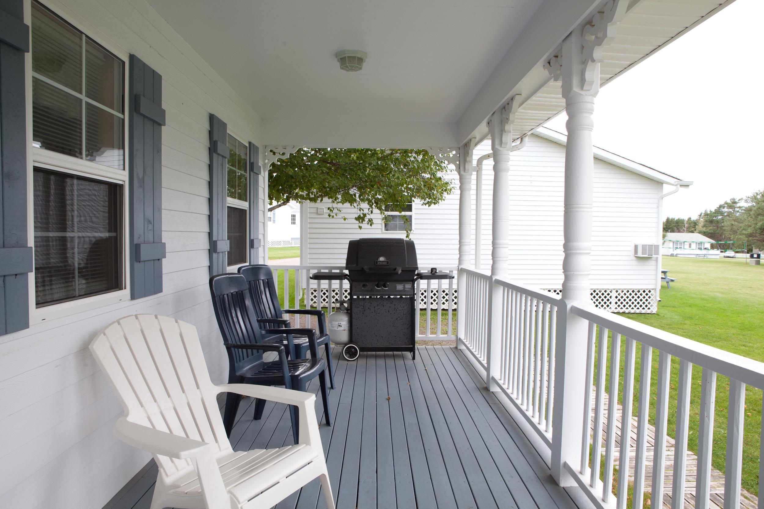Superior Cottage Deck