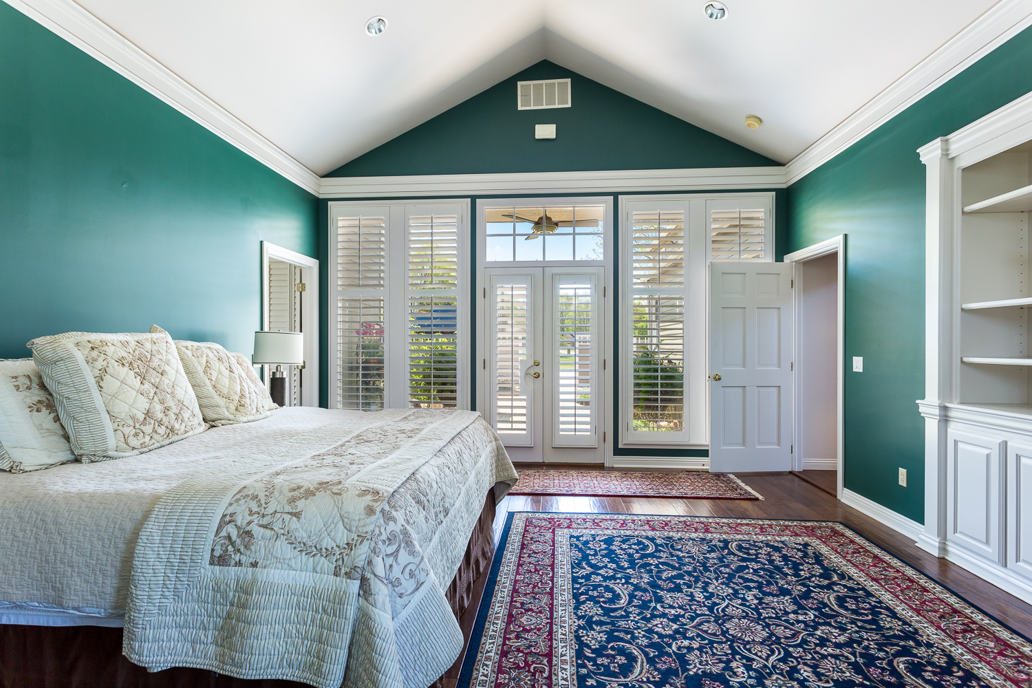 Bedroom shot for real estate photo shoot of home in Siloam Sprin