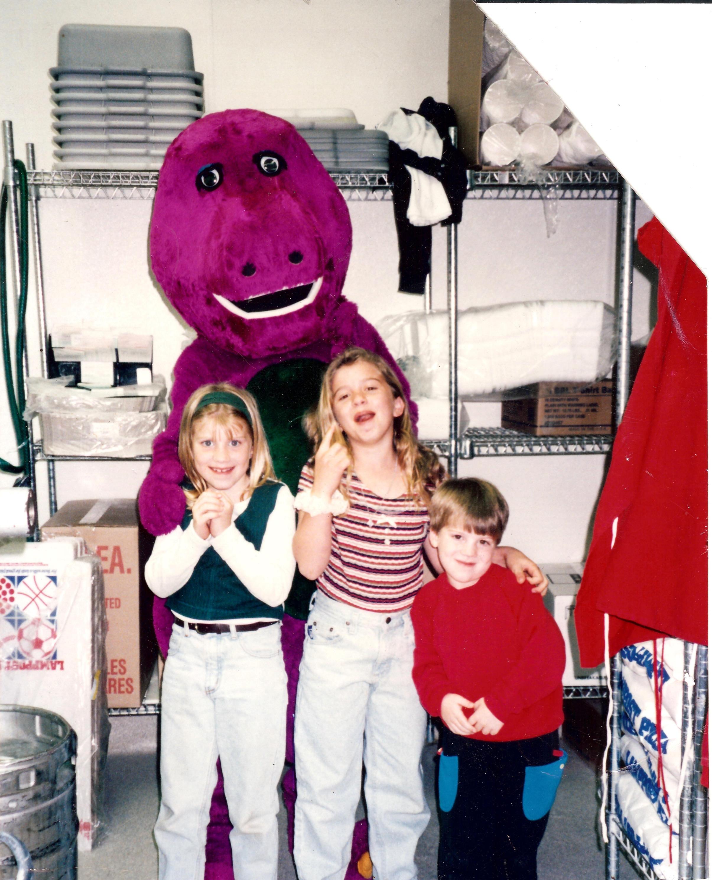Petrossi siblings with Barney.jpg