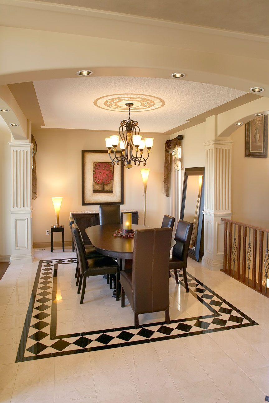 Show_home_2837_77st_dining.jpg