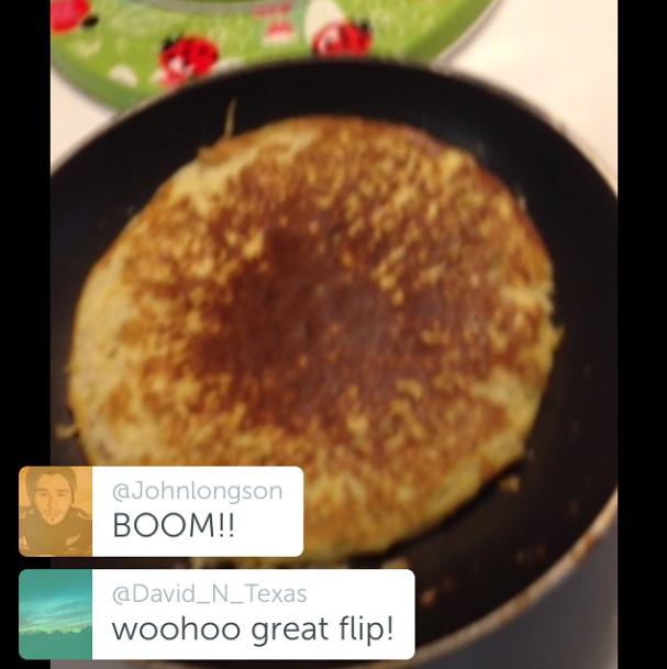 My kickass 2 banana pancake flip (1 banana + 2 eggs)