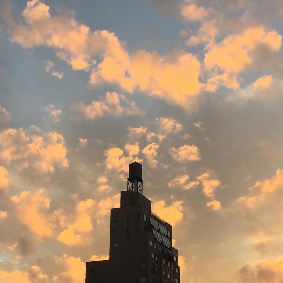 #sunset with #watertower #nofilter  (at NYU Langone Medical Center)