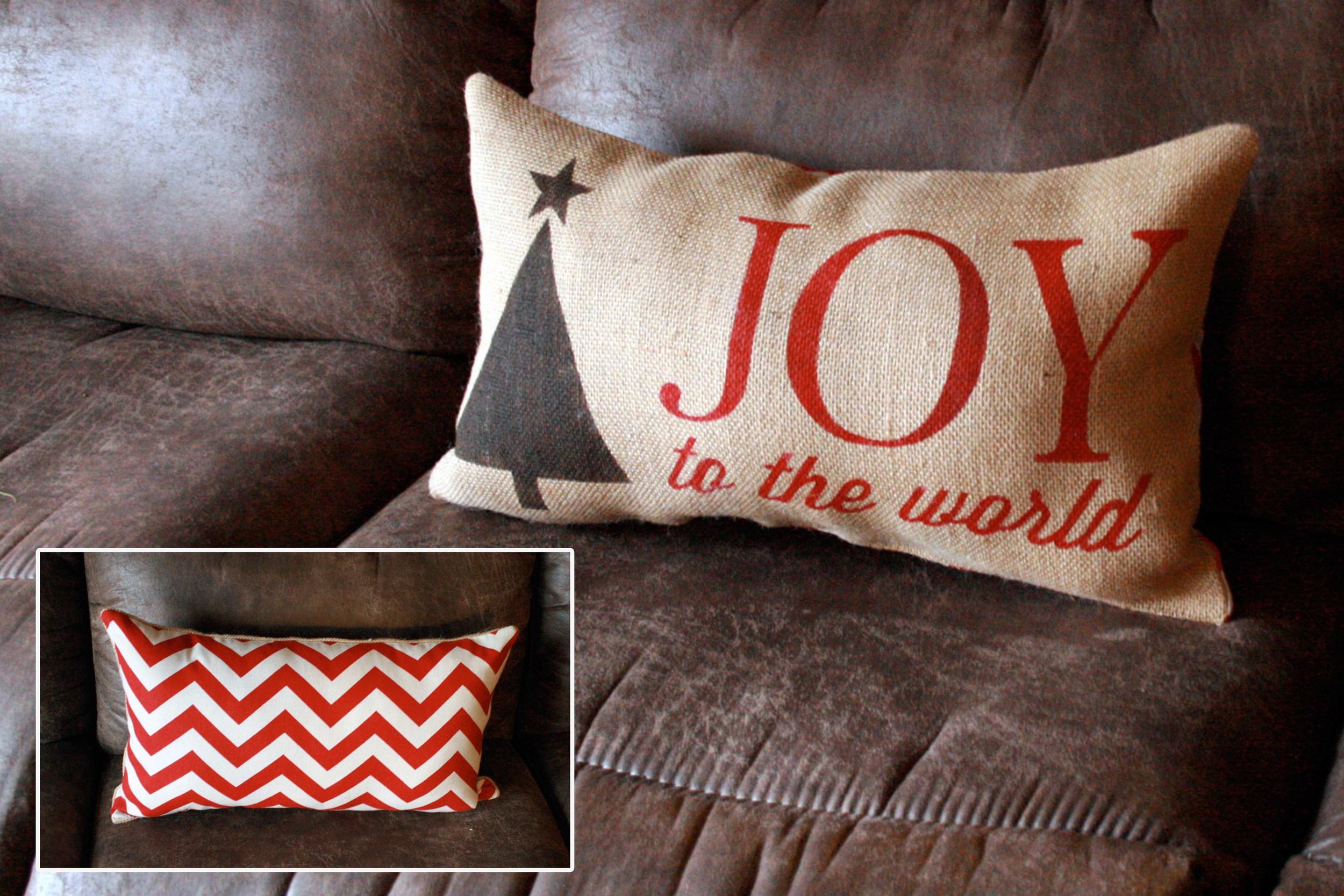 Pillow_Christmas_JitneysJourneys_001.jpg