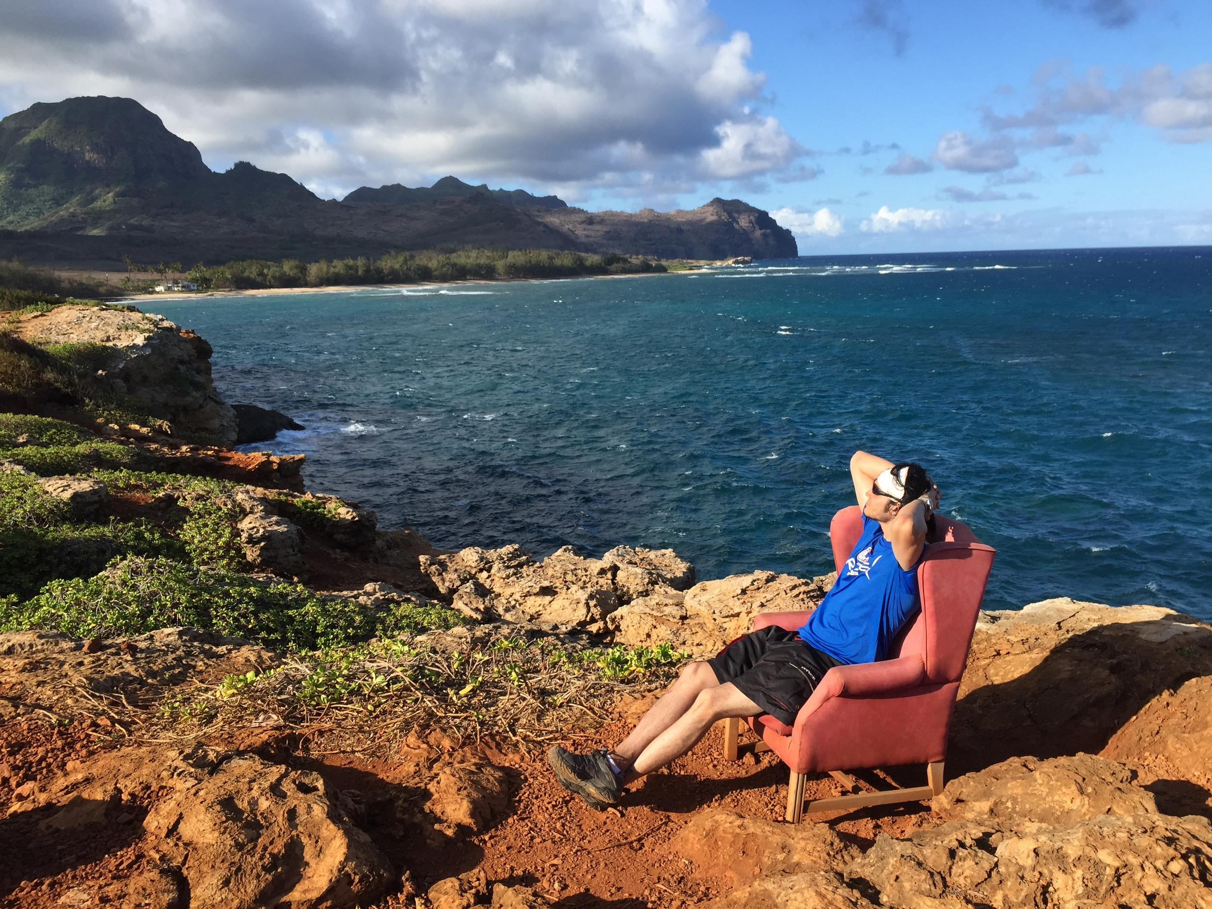The Pink Chair on the Maha'ulepu Heritage Trail in Poipu // Trail Hike in Kauai, Hawaii // via Jitney's Journeys