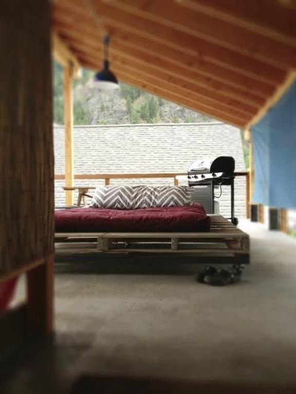 Rooftop Bed.jpg