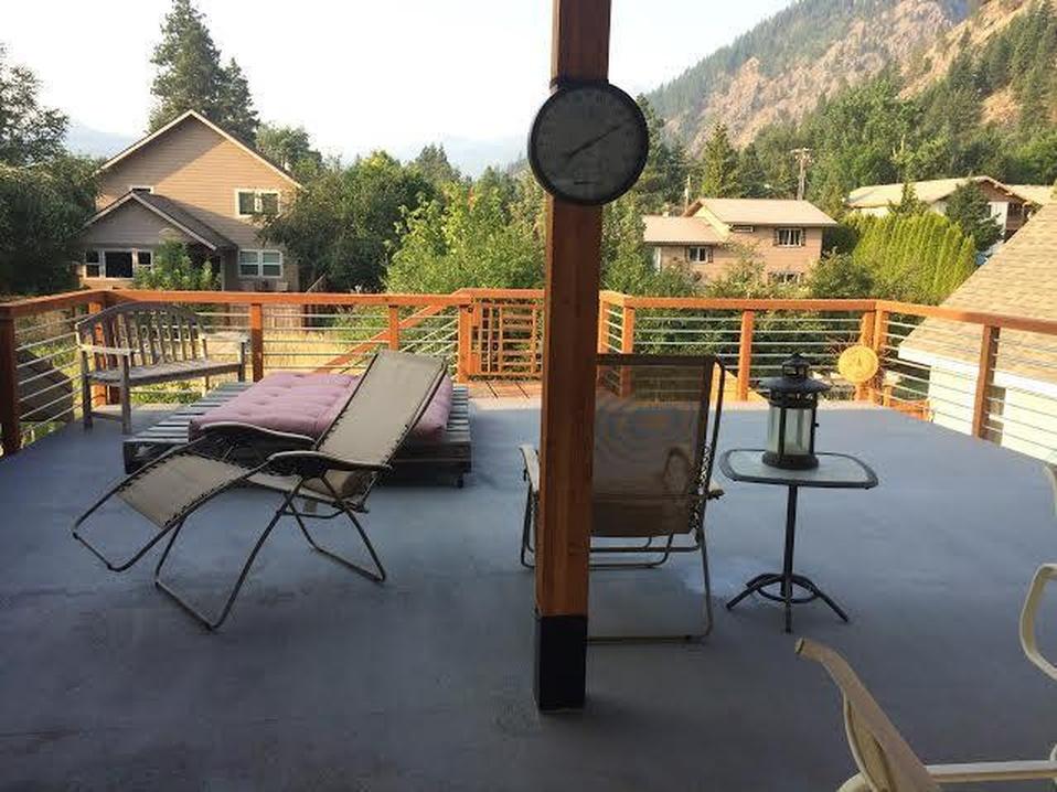 Rooftop Deck.jpg