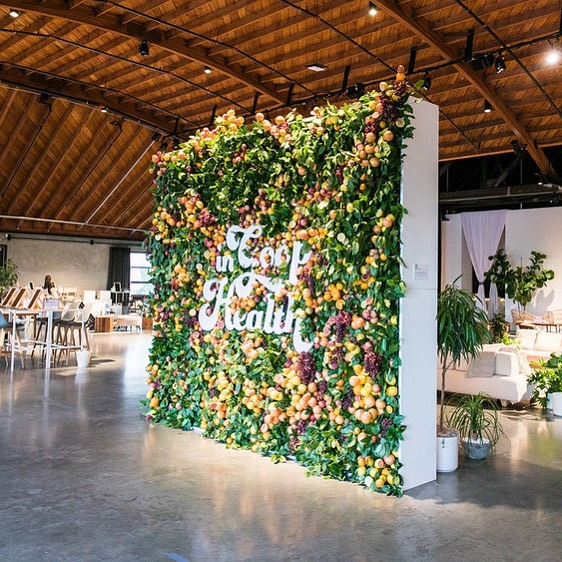 On the blog today: live walls! Check out a few of our favorites, like this one for @goop by @weareagenc  Link in profile.