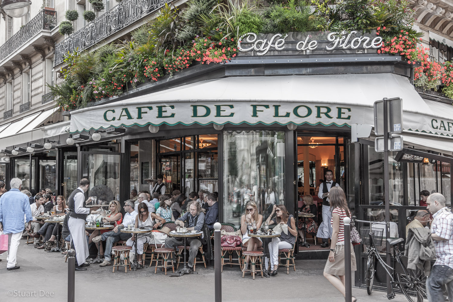 Cafe de Flore, Saint-Germain-des-Pres, Left Bank, Paris, France. 