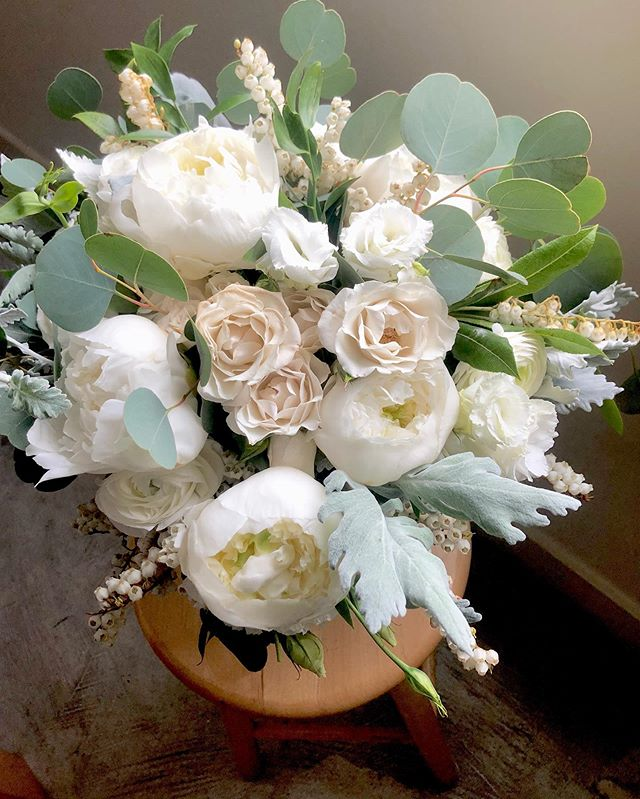 Morning Friend || This morning's bouquet is on it's way to the bride and she's a special one because when you make it for a friendor(friend plus vendor) you know it has to have extra love and joy involved!!! Congrats J!!!