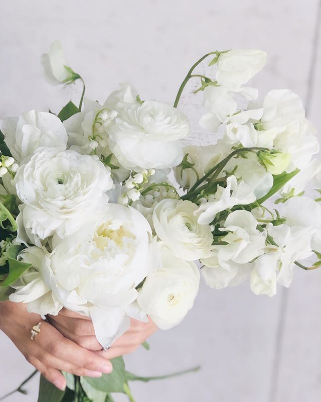 Bowl of Cream || All this creamy goodness. Lily of the valley, local white Sweet peas, peony, ranunculus!  Thanks to @mandy.floraldesigner for modeling!