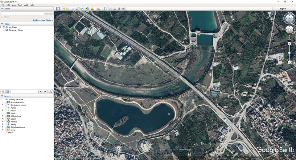 You can specify your area of interest in Google Earth manually, but Plex.Earth also provides you with a bunch of tools you can use to synchronize Google Earth to your AutoCAD drawing (or vice versa) with just one click!