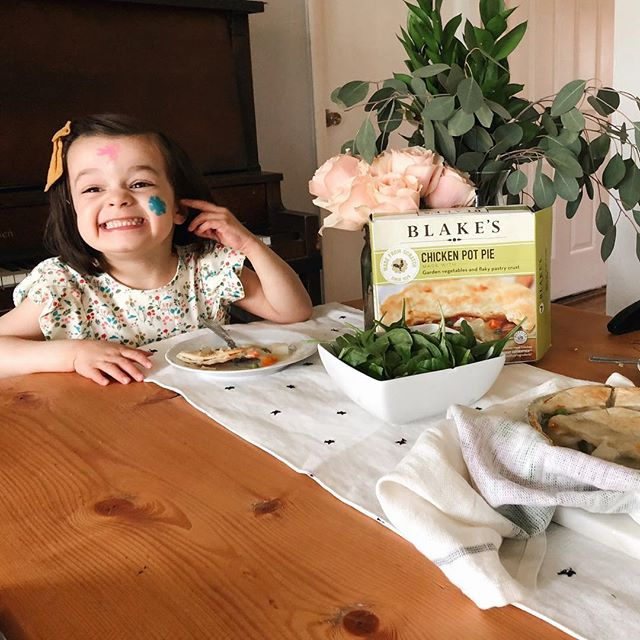 #ad As a mom of three daughters under the age of five, three meals a day can be a little daunting. As much as I enjoy cooking, realistically, it's kind of impossible to make three delicious and nutritious meals all day everyday. For that reason, I'm so excited to share with you @blakesnatural meals! They are meals made from scratch in small batches and DELICIOUS. Can you tell by Lua's face how excited she is to eat? My picky toddler even loves them! #blakeslove