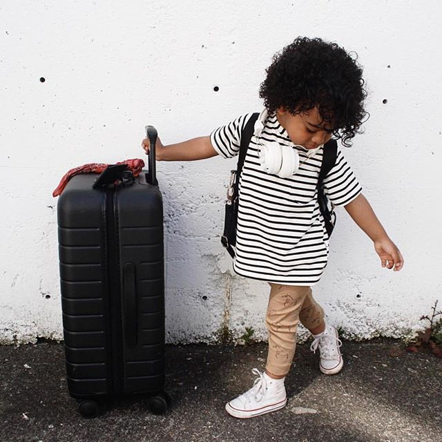 A little traveler in the making 😍 anyone have any fun trips planned this summer?  #littleandbrave 📷 @theomedit