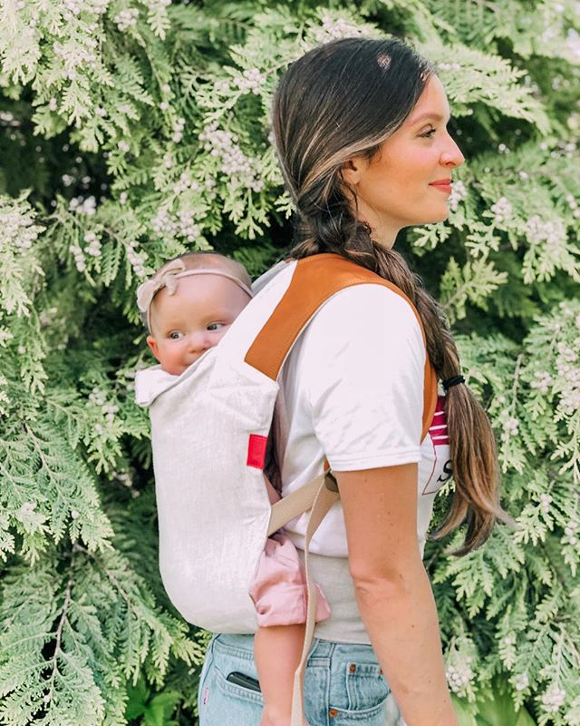 #bestofmom @meanwhile.in.idaho ・・・ These incredible baby carriers are crafted in San Diego with super soft hand-dyed, tumbled dry linen and supple American leather. I feel like they have all the comfort of a carrier with the beauty of a sling. Can't wait to use it for an upcoming trip, because let's be honest Baby is going to want to be carried 90% of the time. 😆@lovesakurabloom #lovesakurabloom #sakurabloomscout #bestofmom