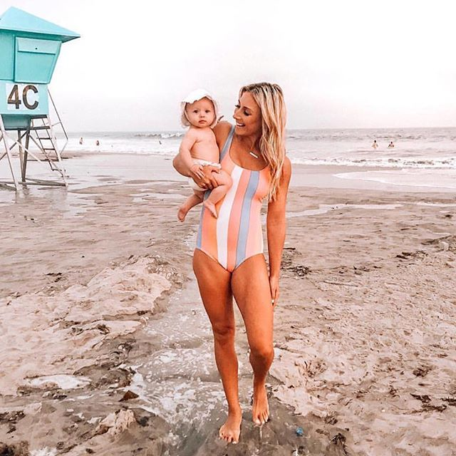 #bestofmom @jaysandjewels ・・・ Summer is about making memories☀️ We're currently #staycationing at the beach and little did we know there's an algae outbreak all throughout the beach 🤦🏻♀️ (see stories)! We're making the best of it though...enjoying the pool, sand and that cool ocean breeze🤗 What has been your fave summer activity this summer?! PC: sarah_lit