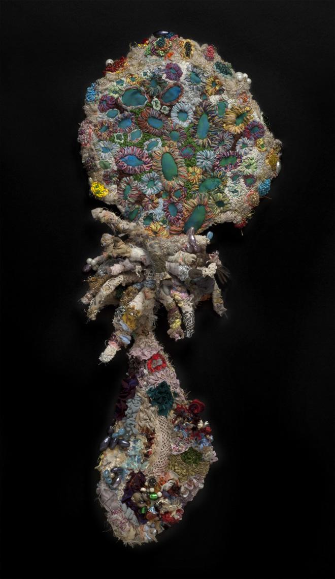 Sandra Sheehy Untitled, 2007 Mixed media/Fabric 24.5 x 10.5 x 2 inches / 62.2 x 26.7 x 5.1 cm / SSe 57
