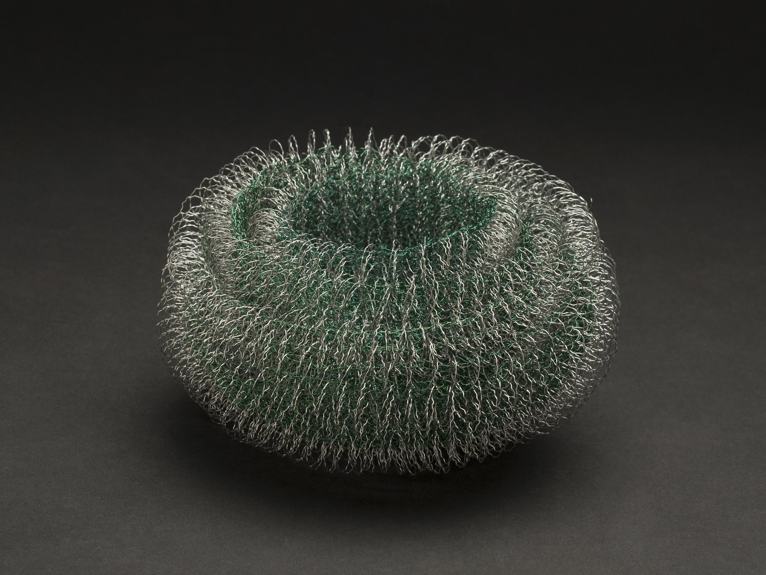 Mieko Kawase    Green Light  , 2012 Wire 3.94 x 5.91 x 5.91 inches / 10 x 15 x 15 cm / MKe 6