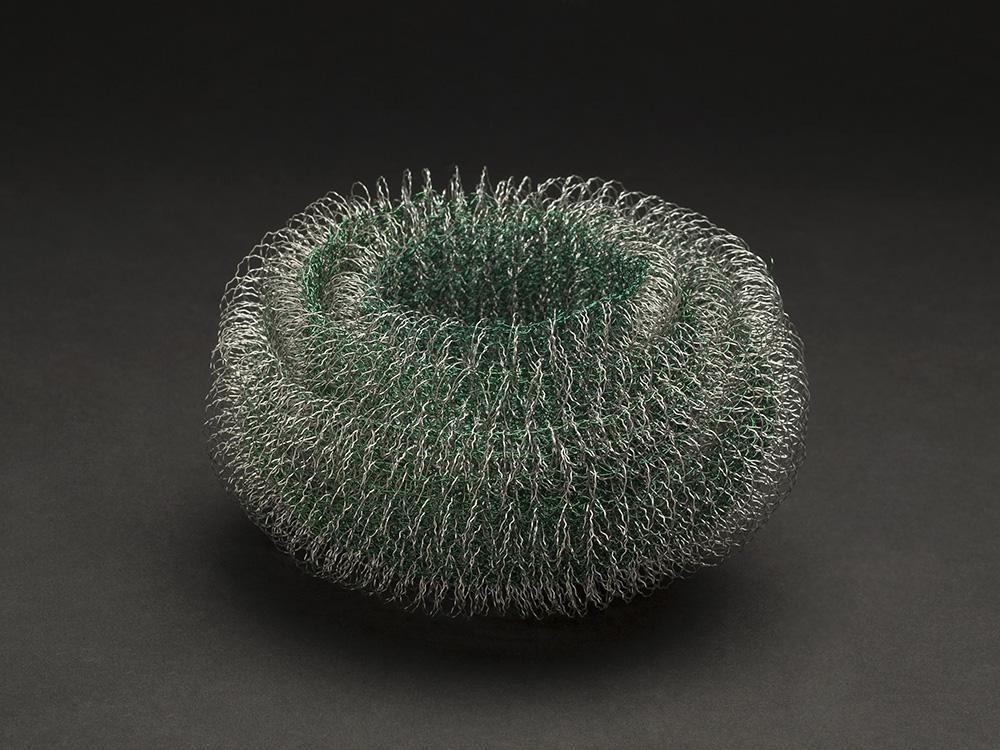Mieko Kawase    Green Light  , 2012 Wire 3.94 x 5.91 x 5.91 inches 10 x 15 x 15 cm MKe 6