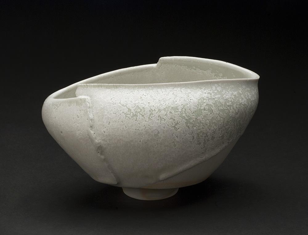 Mami Kato    Hishi  , 2013 Porcelain 4.75 x 7.5 x 5.5 inches 12.1 x 19.1 x 14 cm MmK 9