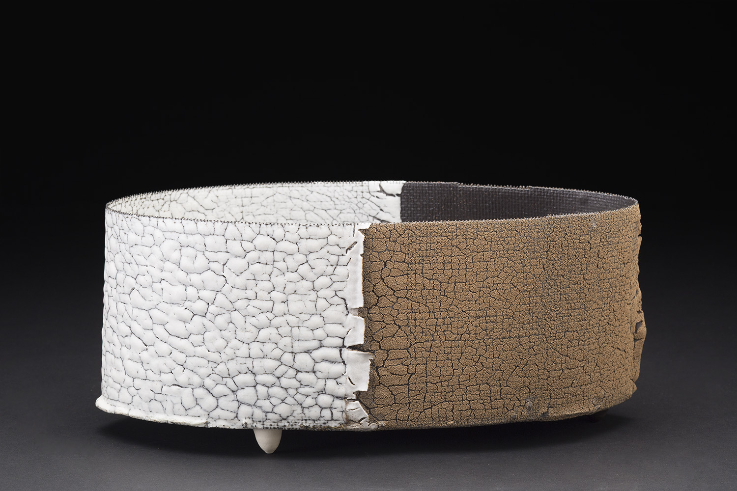 Rafa Perez    Untitled  , 2015 Steel mesh, porcelain, and clay fired at 1160 degrees 4.75 x 11 x 5.5 inches 12.1 x 27.9 x 14 cm RPe 46