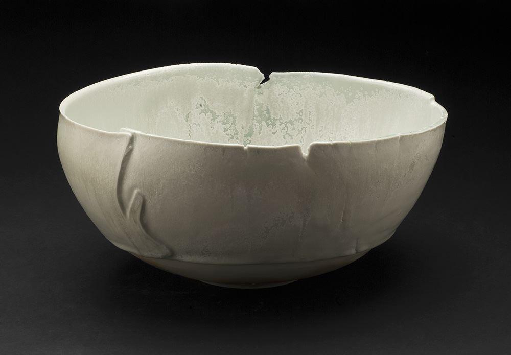 Mami Kato    Tsukiakari  , 2013 Porcelain 5.75 x 11.75 x 10.25 inches 14.6 x 29.8 x 26 cm MmK 1