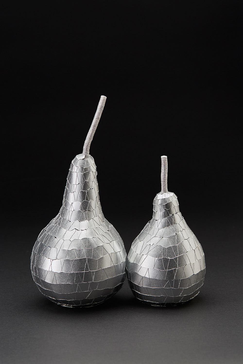 Yohko Kubo  Modeled after.... Gourd  , 2018 Aluminum paper, polyester yarn a. 26 x 11 x 11 cm b. 18 x 9 x 9 Kub 3