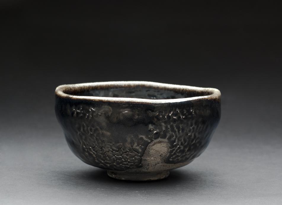 Steve Sauer  Hikidashi Guro  , 2012 Hand dug stoneware clays and hand dug iron baring slips Fired in our anagam called Ochawan-gama (Tea bowl kiln) 2.75 x 5.25 inches 7 x 13.3 cm SSa 4