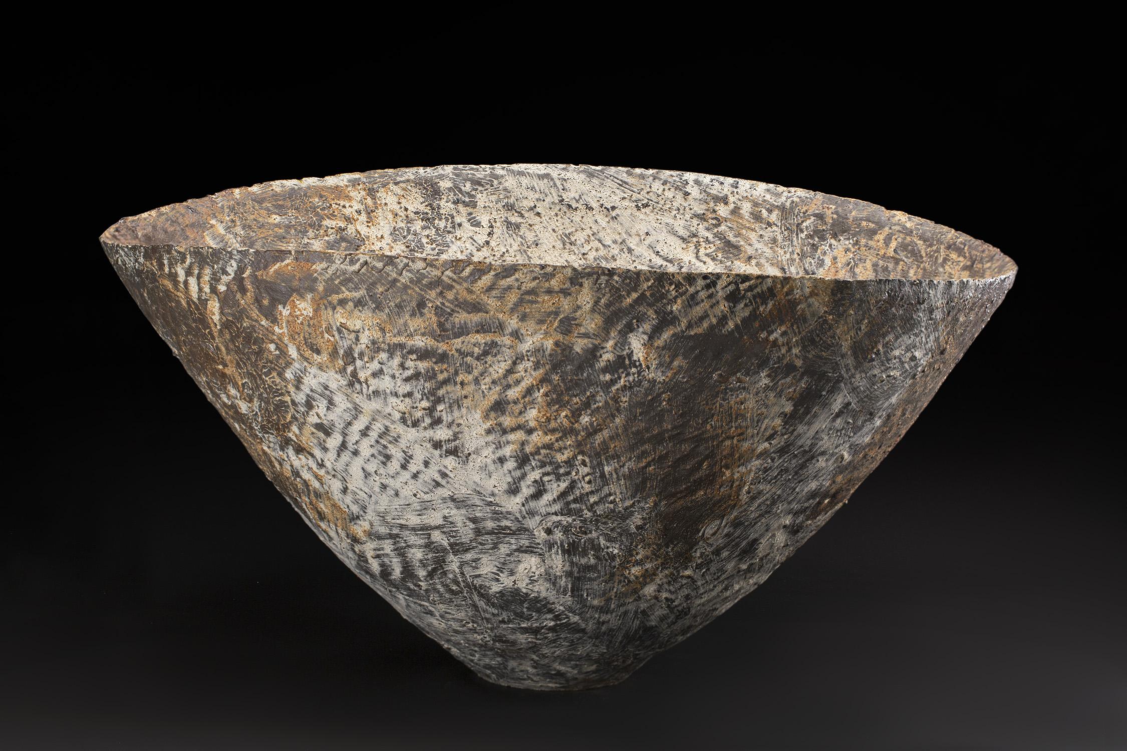 Akihiro Nikaido  Flower Vase  , 2019 Ceramic 12 x 22.5 x 20 inches 30.5 x 57.2 x 50.8 cm ANk 73