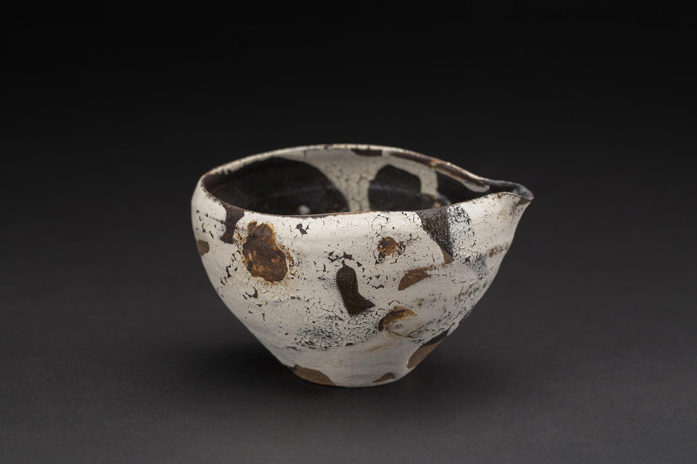 Akihiro Nikaido  Katakuchi  , 2019 Ceramic 2.75 x 4.75 x 3.75 inches 7 x 12.1 x 9.5 cm ANk 83
