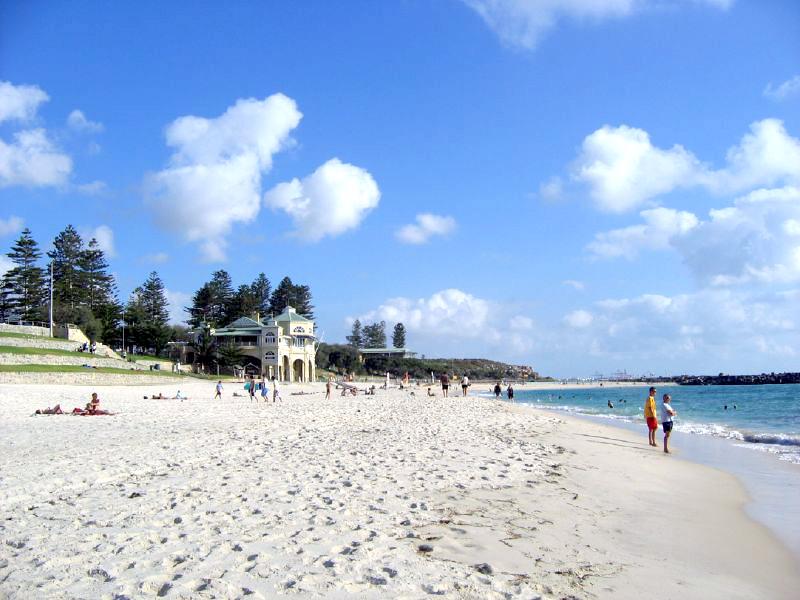 20,000km of clean, white sandy beaches