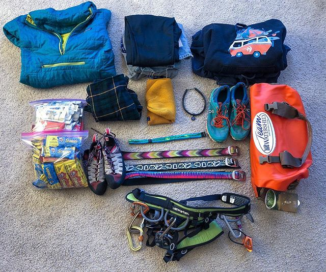 What's in your bag? #winter2019 • • • • • #travel #winter #training #croakies #everydayadventurer #hshive #Patagonia #climbing #kayaking #athlete #love #watershed #awesome