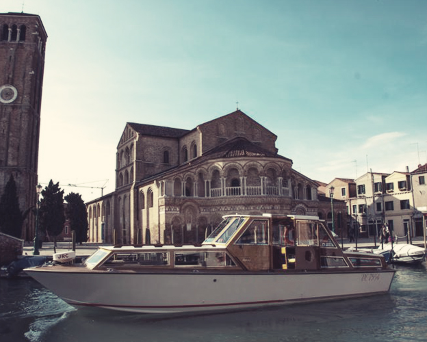 water taxis in venice, how do I get a water taxi in venice