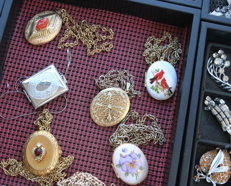 hkfm christmas social vintage lockets.JPG