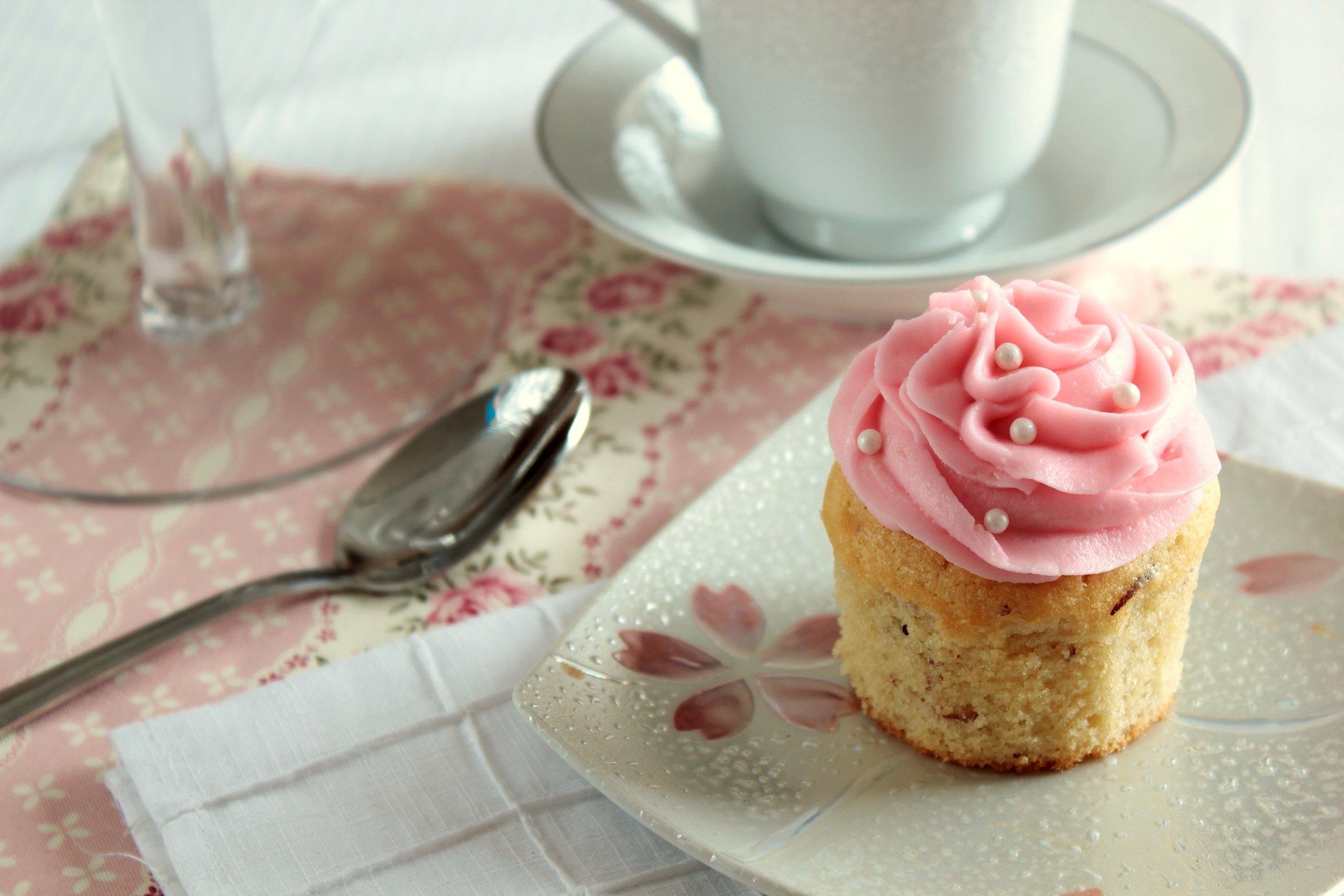 vanillaalmondcupcakes2.jpg