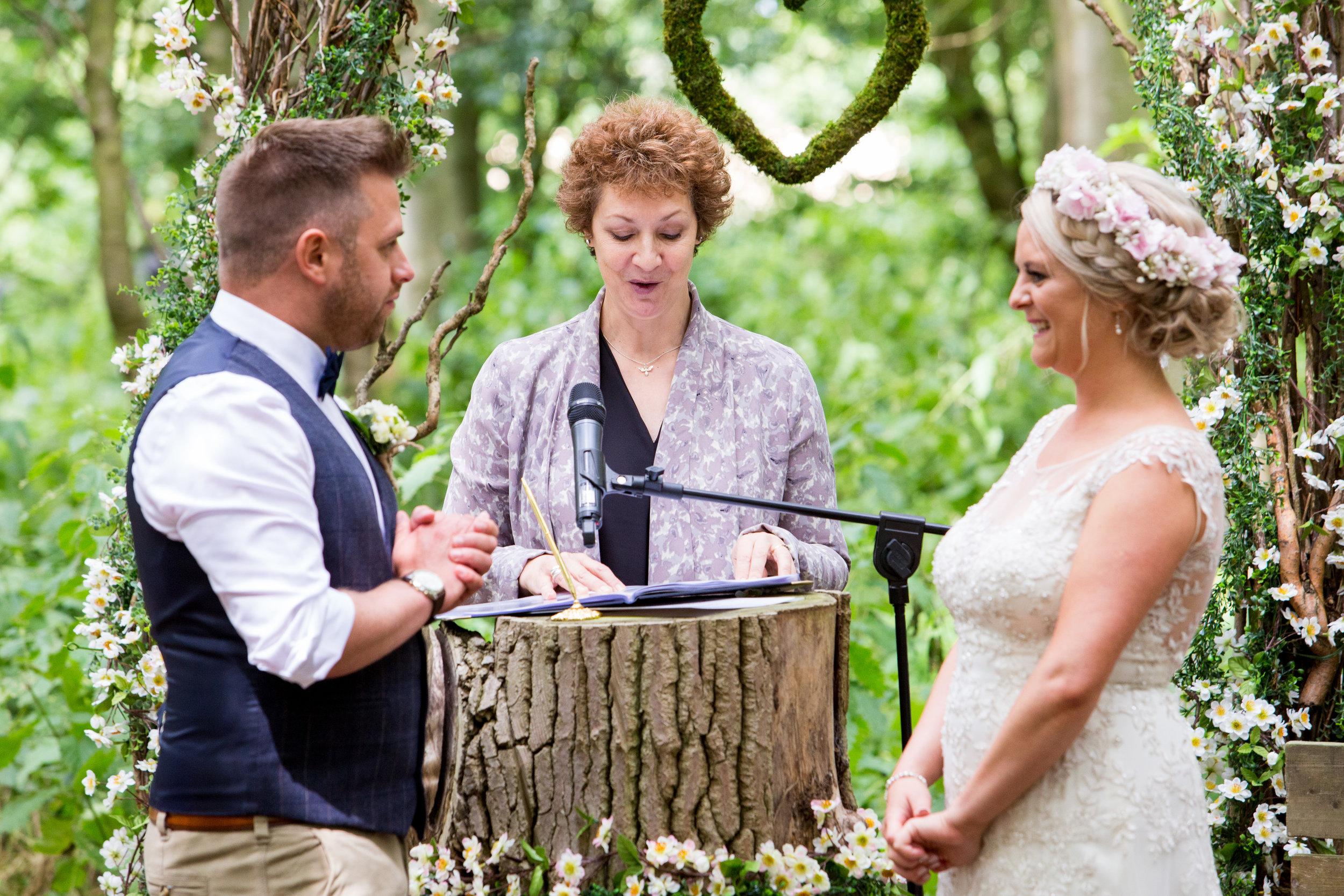 suffolk-wedding-celebrant-bridget-garrett