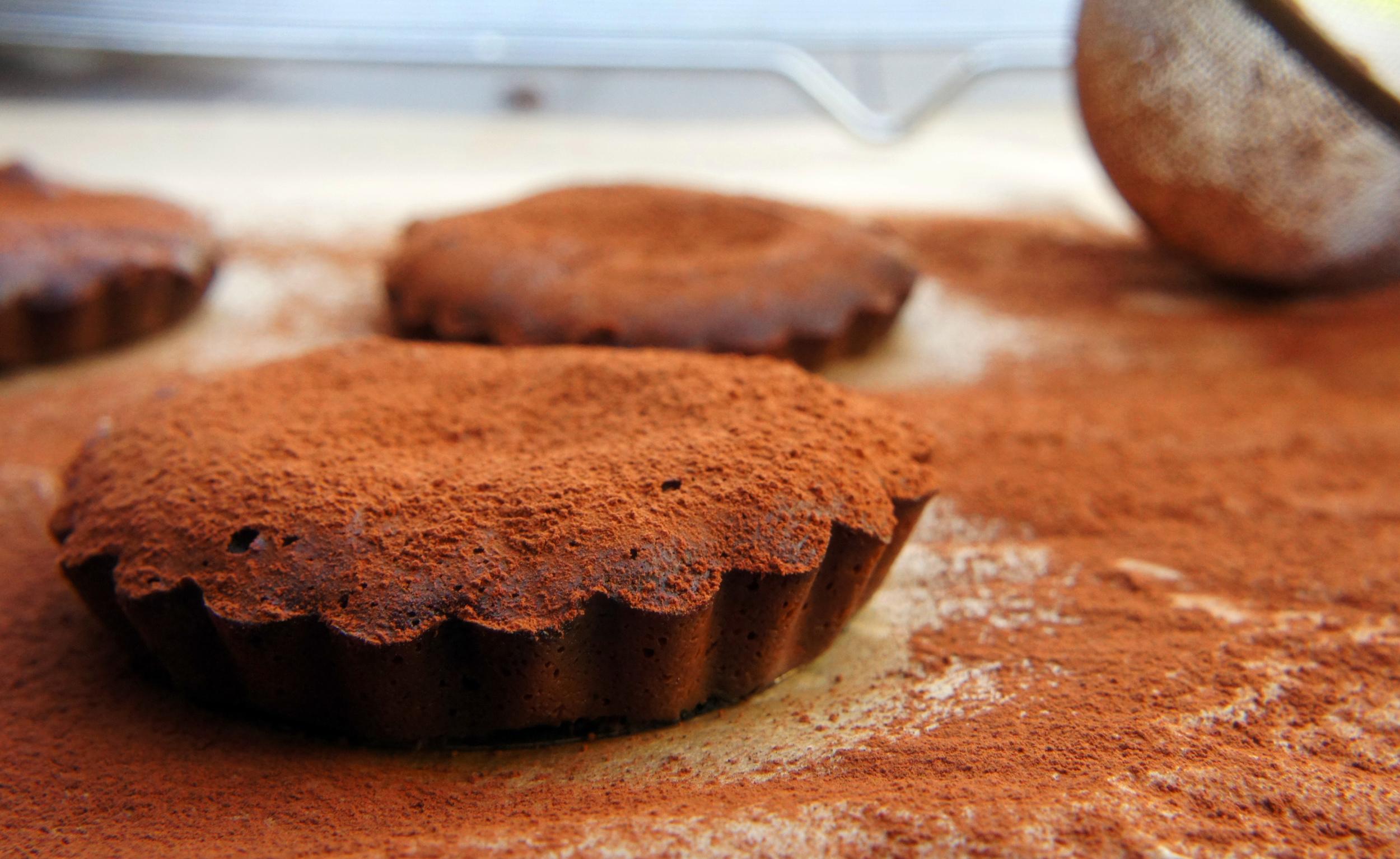Semi-Sweet Flourless Chocolate Cake: 4 simple ingredients. Gluten-free