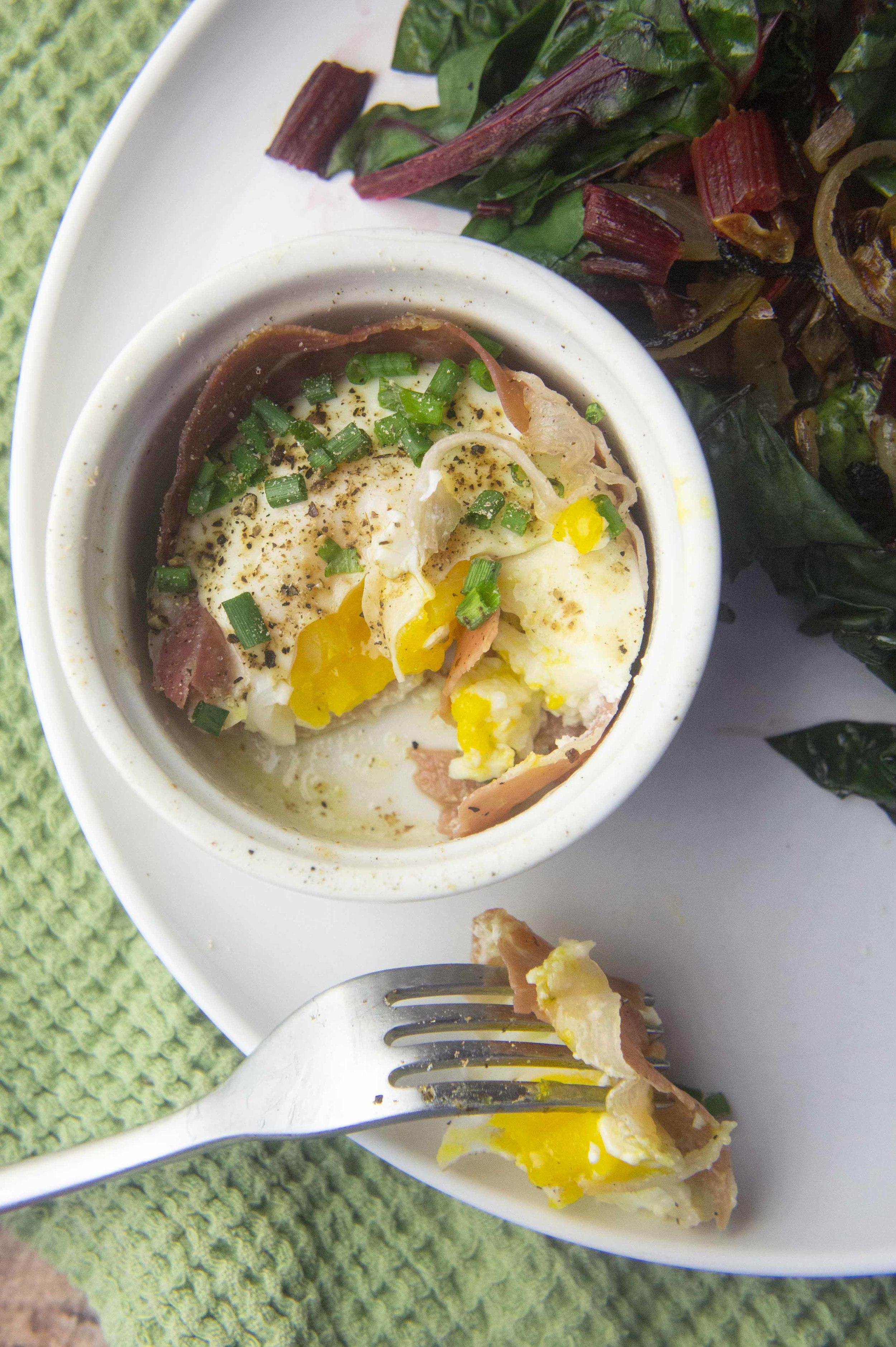 Quick Paleo Prosciutto Egg Cups