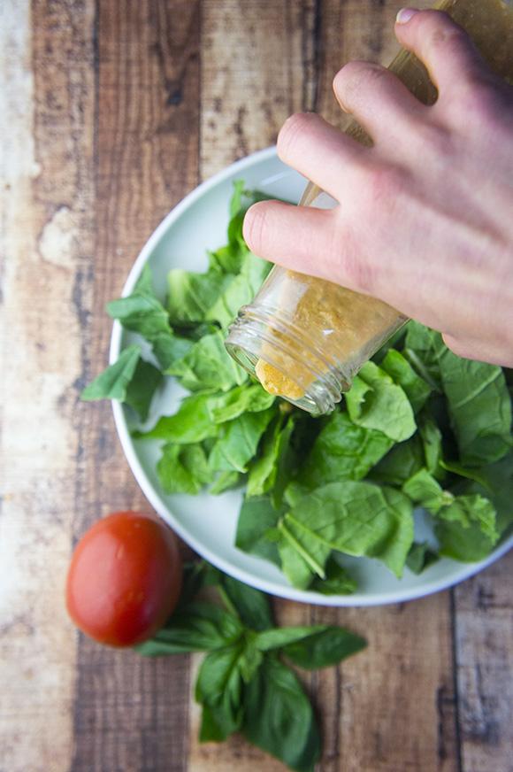 Easy Tomato Herb Dressing (Paleo)