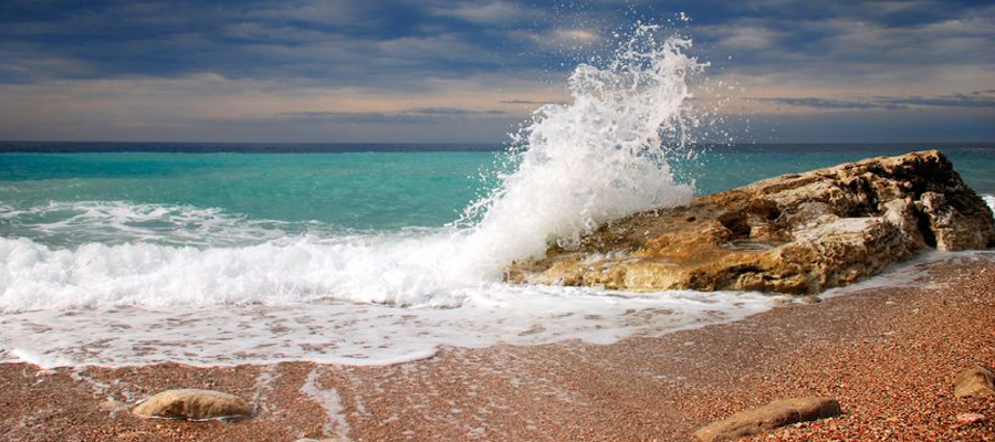 The rhythm of the ocean helps us reconnect with our breath - and thus our core self. Through our breath we can transform our thoughts, emotions and behaviors. Nature is designed to lead us back to balance - body, mind, heart and soul.