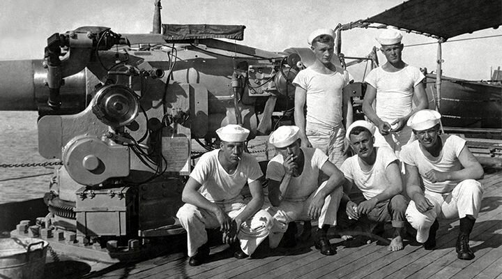 """The early days of the """"White T Shirt"""" —  Photo:    houseoffraser"""