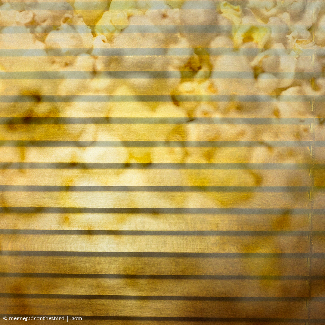 328 - POPCORN CURTAIN!!! - 12.25.14 - One A Day series